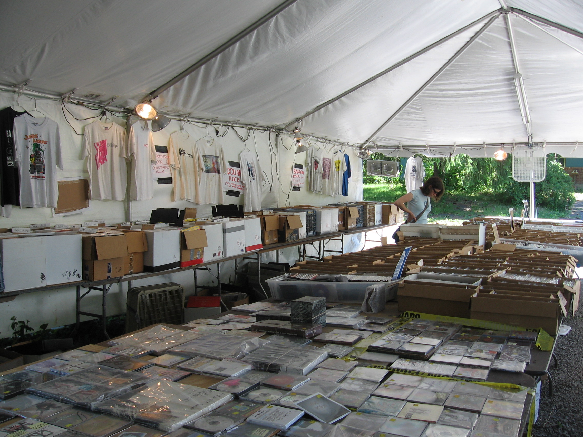 Huge Memorial Day Music Yard Sale – Woodstock, NY May 25/26/27, 2019