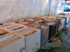 lp-vinyl-records-at-woodstock-yardsale-3500